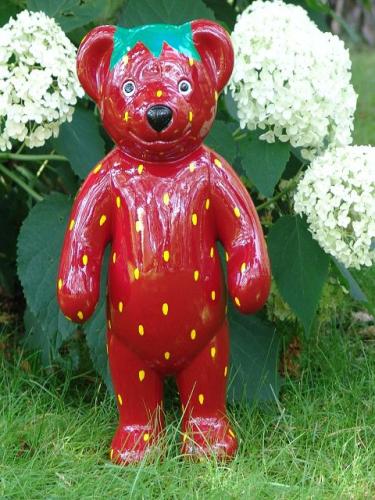 B 228 R Teddy Als Erdbeere Gemalt Obst Stehend 40cm
