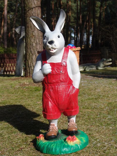 "Osterhase in grau, ""Hoppel"" mit roter Hose, Kunstharz, 105cm"